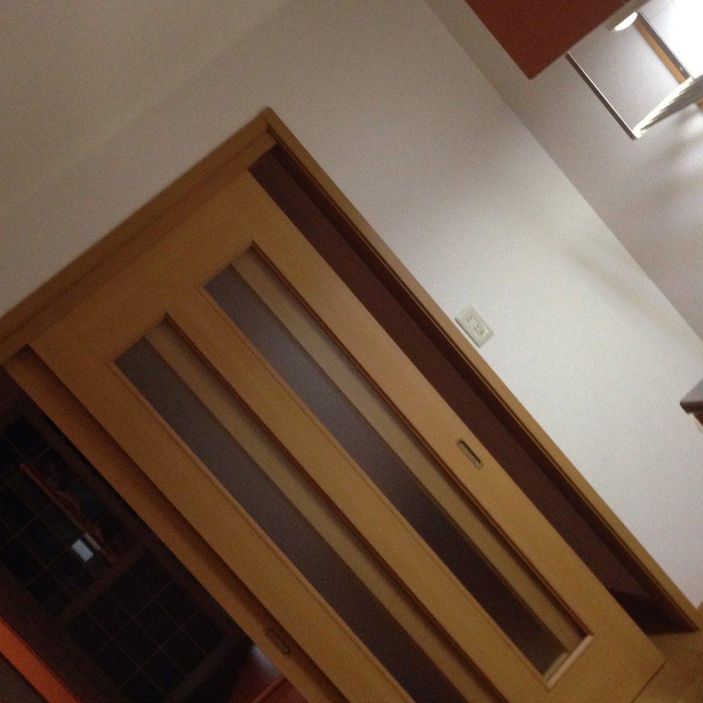 愛知県名古屋市の建築一般工事 リフォーム工事の株式会社松昇の市内マンションクロス貼り替え工事